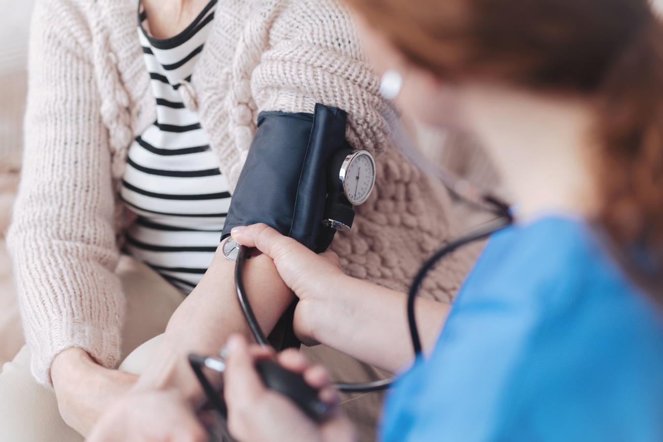 magas vérnyomás kézzsibbadás hogyan lehet egy csoportot létrehozni a magas vérnyomású diabetes mellitusban