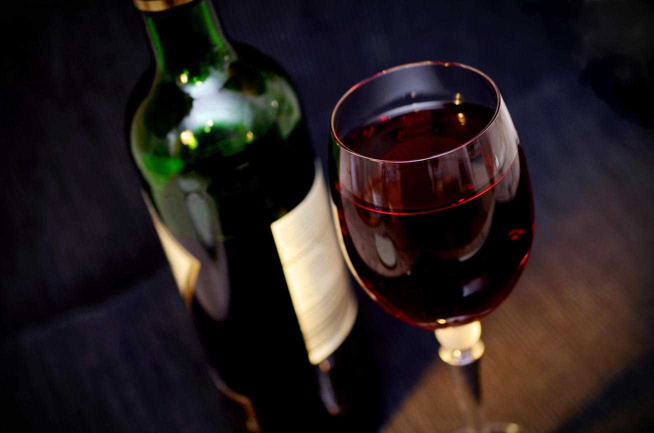 Magas vérnyomás ellen hatásosabb az alkoholmentes vörösbor