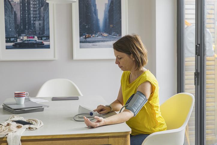 hogyan lehet legyőzni a magas vérnyomást otthon)