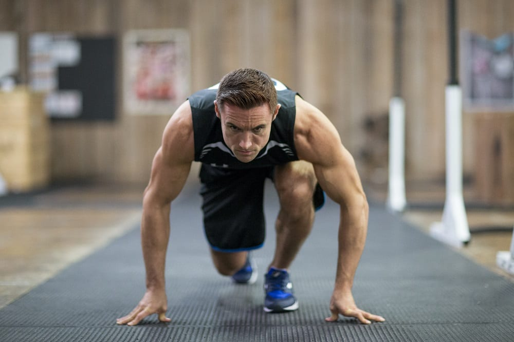 súlyzó edzés 50 év után magas vérnyomásban
