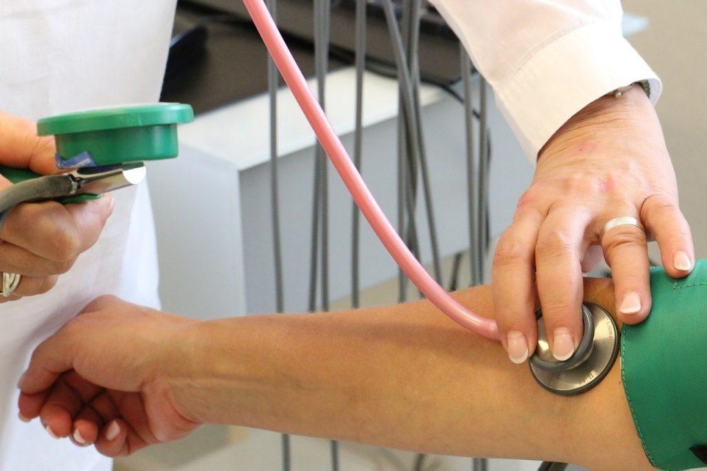 rost a magas vérnyomás ellen piócák beállítása a magas vérnyomás esetén