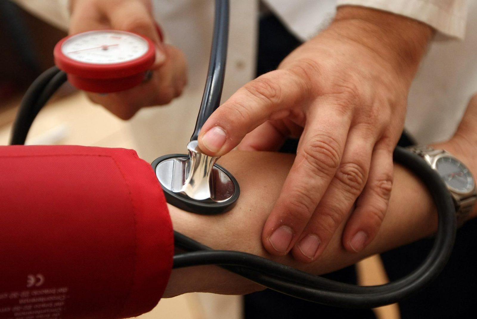 magas vérnyomás 1 fok 1 kockázat 3 milyen fejrész fáj a magas vérnyomás miatt