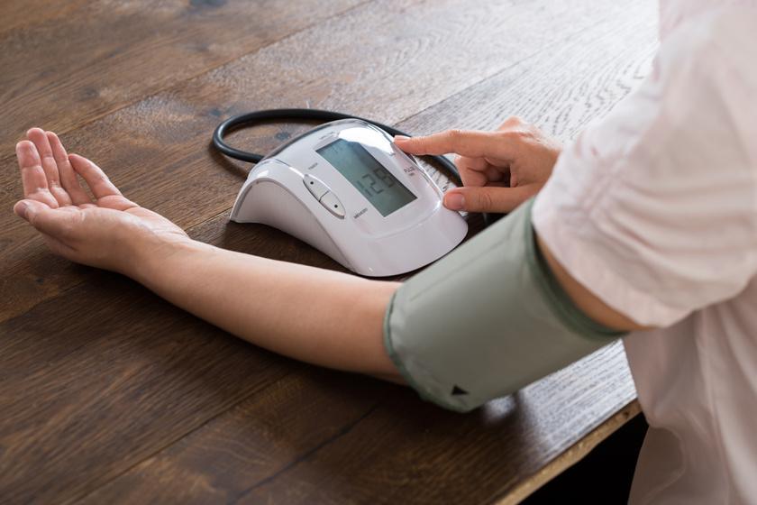 naponta hányszor kell vérnyomást mérni magas vérnyomással