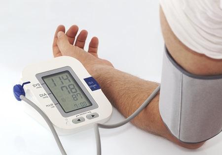magas vérnyomás szívritmuszavarokkal