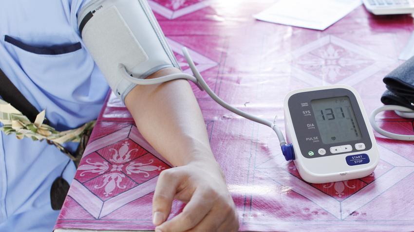 a nyomás a hipertónia oka magas vérnyomás és annak mértéke