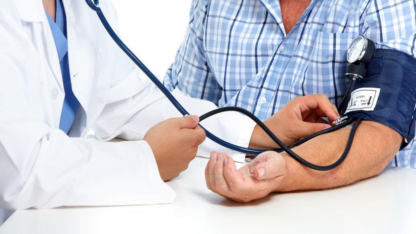idős ember magas vérnyomása)