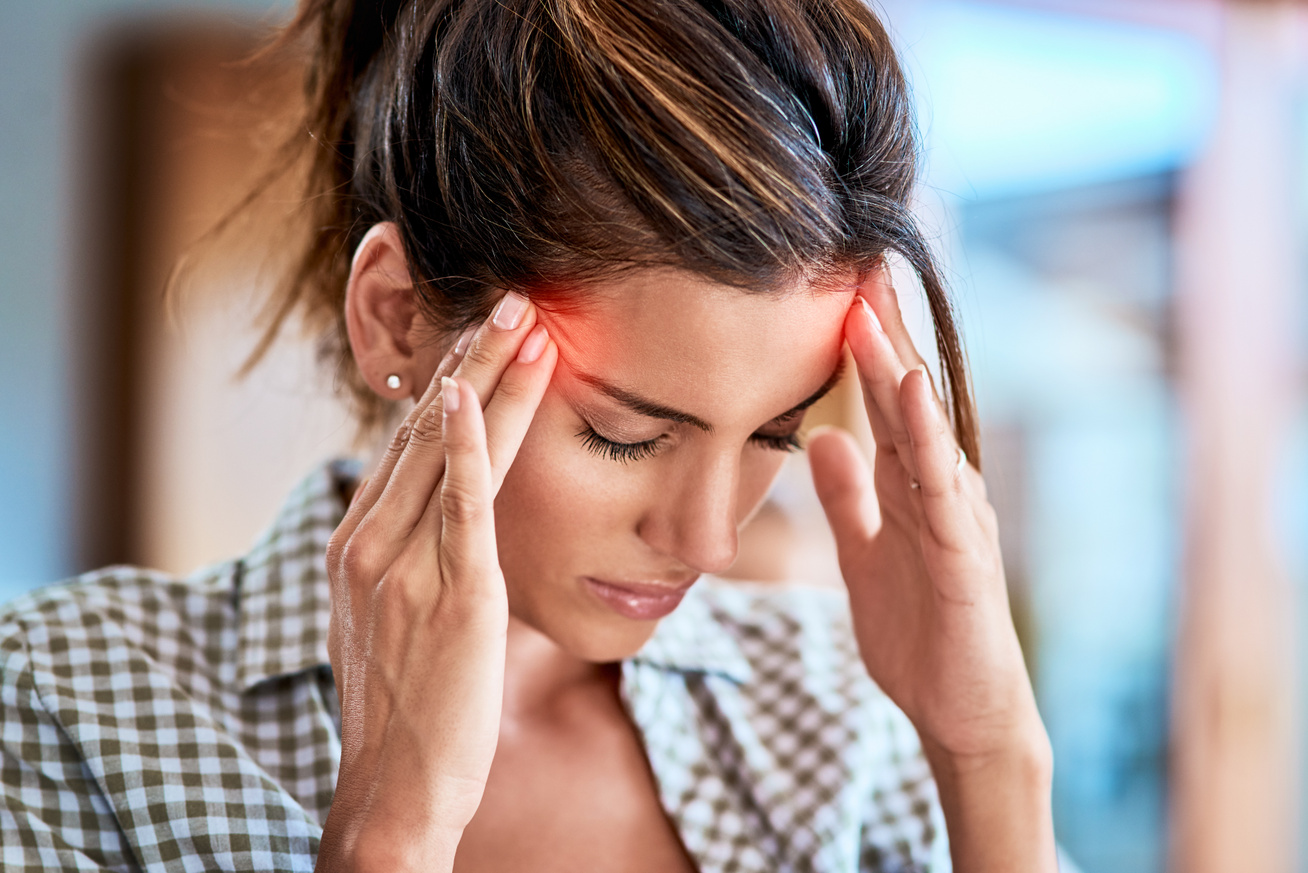 fejfájást okozhat magas vérnyomás esetén)