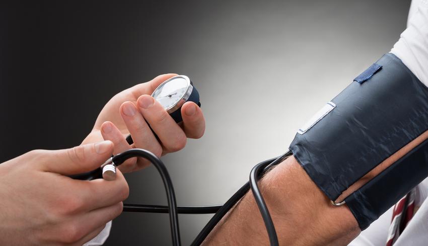 magas vérnyomás bal kéz