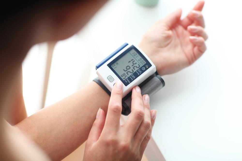 a magas vérnyomás első rohamai)