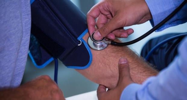 hipertóniás szívváltozások magas vérnyomás vérhígítók