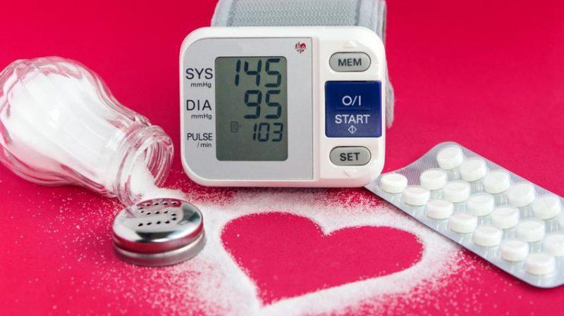 hogyan lehet megkülönböztetni a magas vérnyomást és a magas vérnyomást)