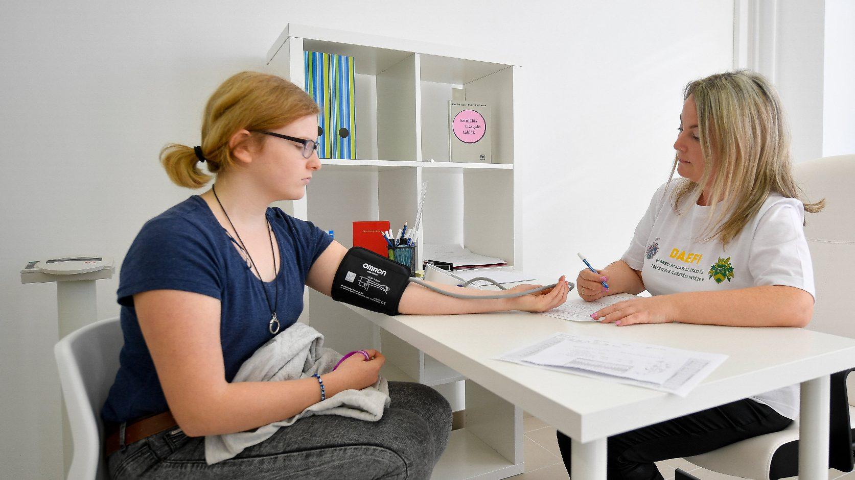 magas vérnyomás válságokkal)