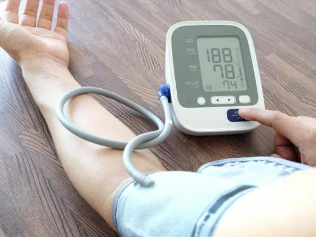 egészséges életben kezeljük a magas vérnyomást)